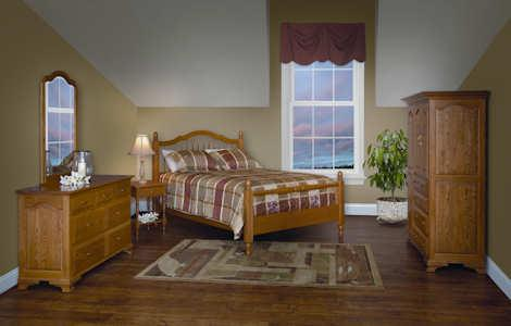 Crown Villa Bedroom Set