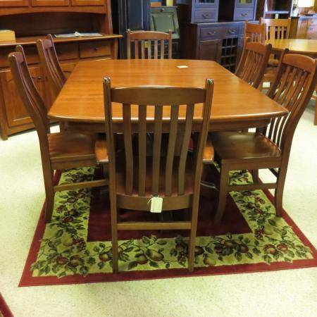 Williamson Dining Table Chairs And Hutch Huge Savings Clear