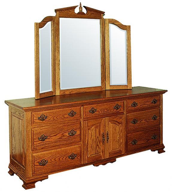 CWF 200 Traditional Bedroom Triple Dresser