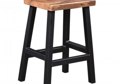 271-BWM24-Barnwood-Bar-Stool-with-Metal-baseScooped-Seat-2017Cat-p71-Bottom