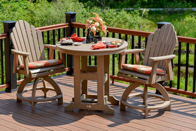 Garden Classic Round Outdoor Dining Tables
