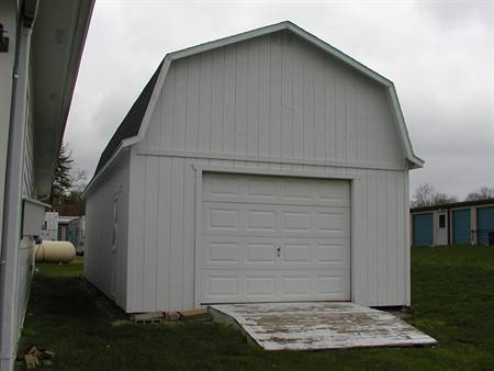 16X32 Gambrel Barn with 8′ Side Walls ON DISPLAY