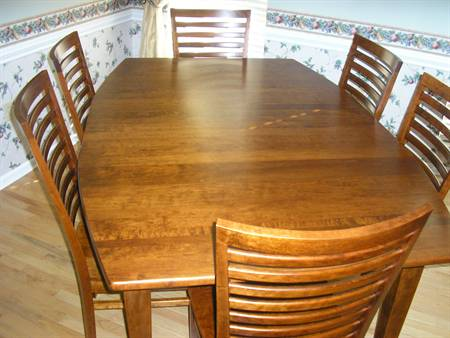 Shaker Dining Table with Bowed Sides