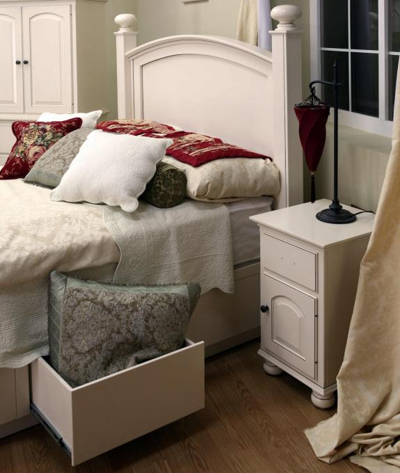 LE-1452 White Storage Bed