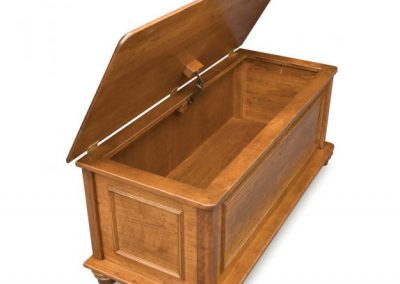 Woodberry-Blanket-Chest-Open