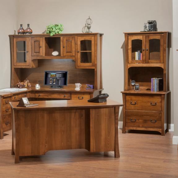 1560 Woodbury Executive Desk