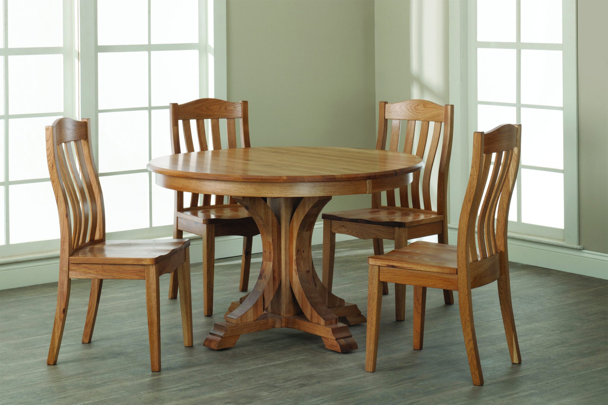 Buckeye single pedestal table with regal chairs