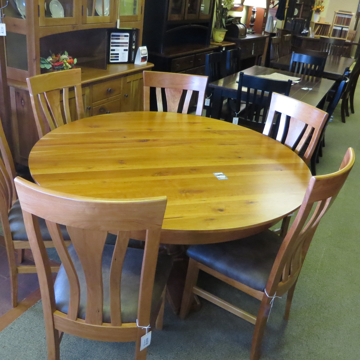 Genial Georgetown 60u2033 Solid Round Table And 6 Chairs