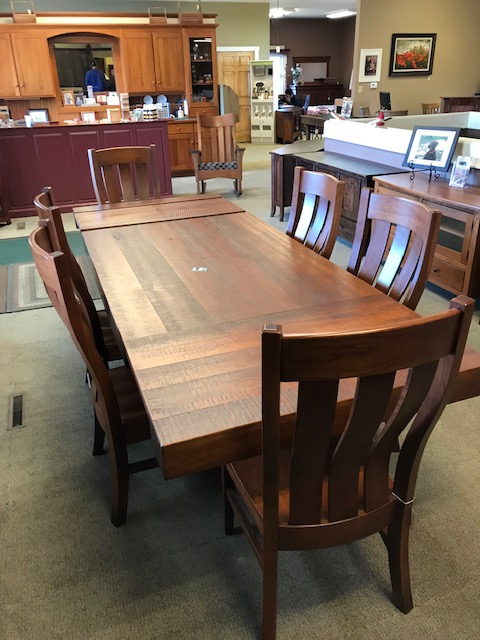 42 x 72 table with 2 18″ leaves and 6 chairs
